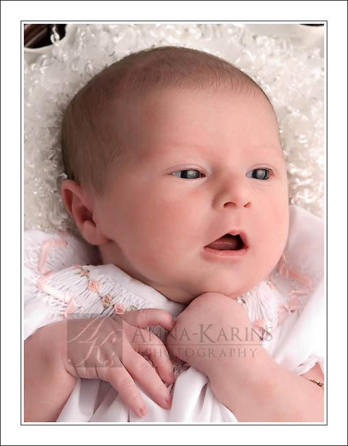 Baton rouge newborn baby photographer awake
