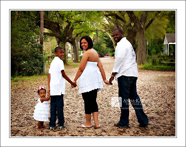 baton rouge family photographer blooming spring outside session