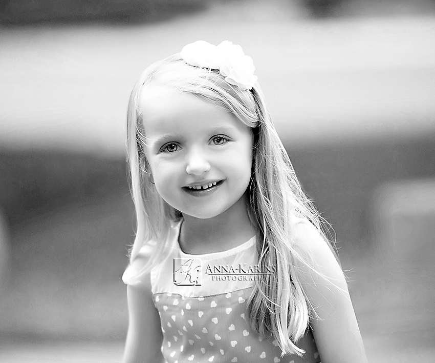 beautiful bw portrait of little girl